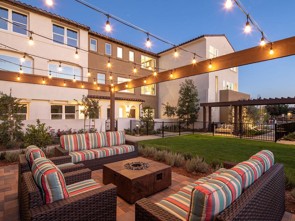 Portola Walk Courtyard 3